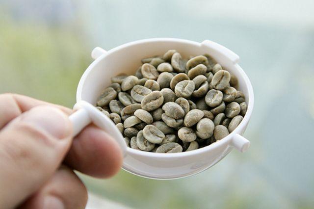 обжариваем зёрна зеленого кофе