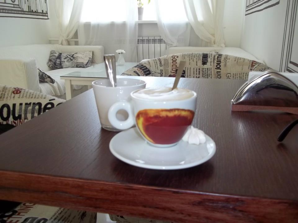 кофе в кофейне Апельсин