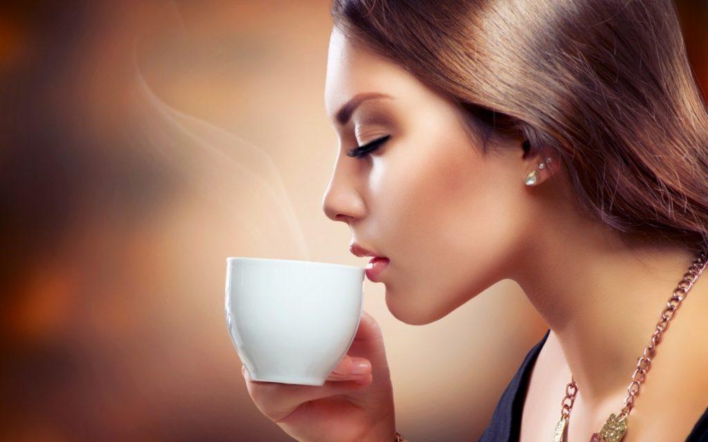 v-kakix-sluchayax-vam-rekomenduetsya-pit-kofe