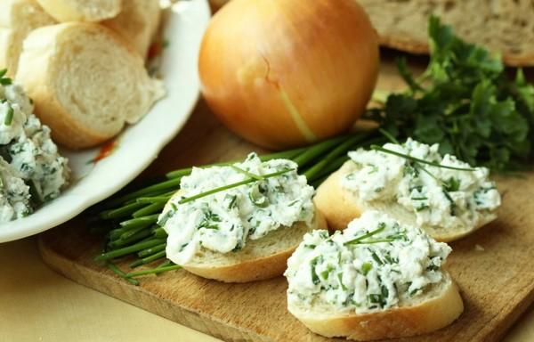 Сыр из творога с зеленью в домашних условиях