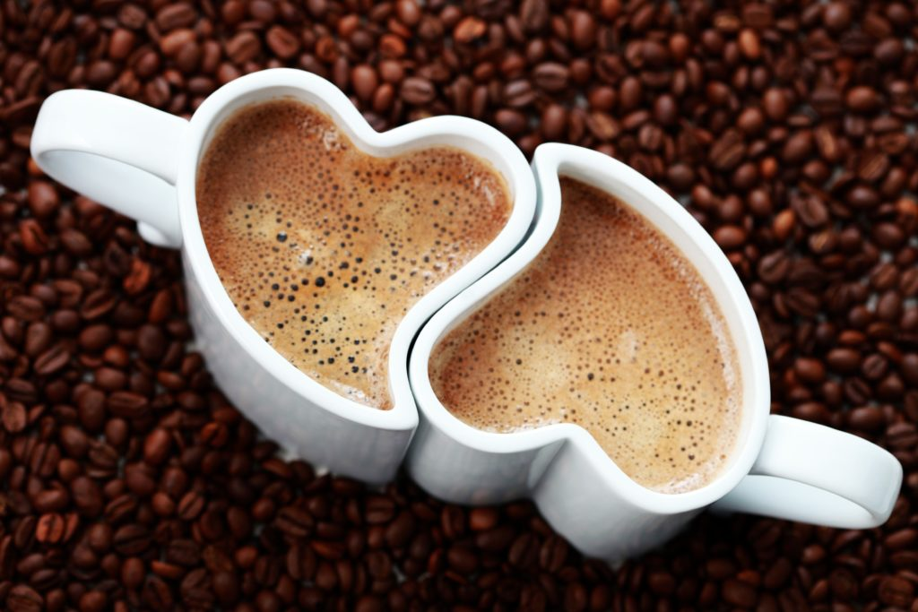 priglashaem-lyubimogo-na-chashechku-kofe